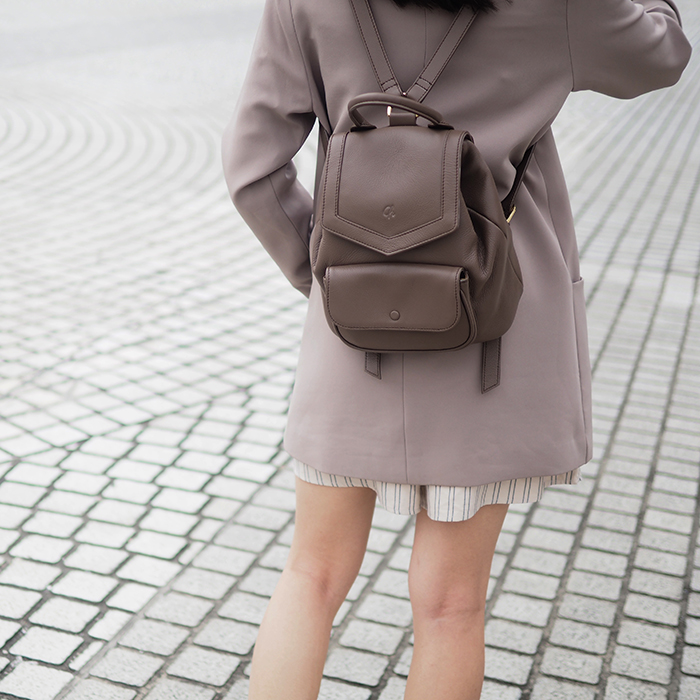 Alice-Warm taupe